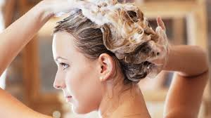 Как правильно мыть голову после окрашивания, чтобы сохранить цвет
