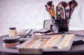 Как хранить косметику: действенные советы