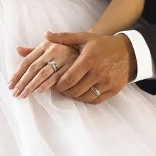Идеальная пара: помолвочное и обручальное кольца