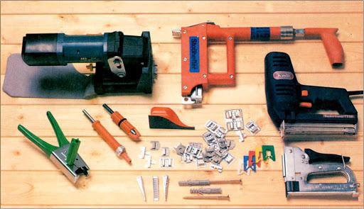 Инструменты для облицовки стены деревом