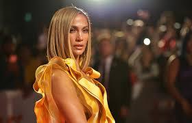 Дженнифер Лопес запускает собственный косметический бренд