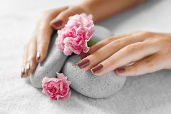 Как ухаживать за кожей рук и ногтями. Простые советы