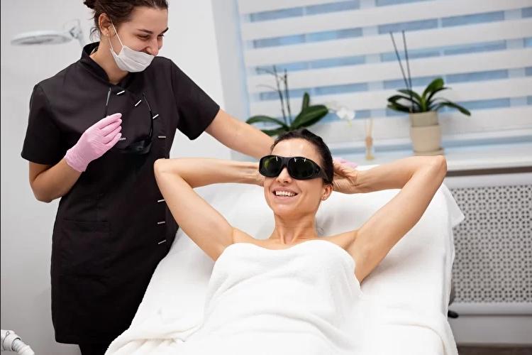Ухаживаем за кожей вместе с клиникой красоты «Woman in you»