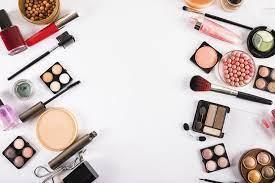 Как сэкономить на косметических средствах?