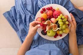 7 фруктов и ягод, которые нельзя есть каждый день (и почему)