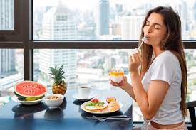 8 лучших летних продуктов для женщин, которые стоит есть как можно чаще