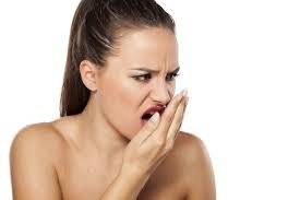 «Как избавиться от неприятного запаха изо рта?»
