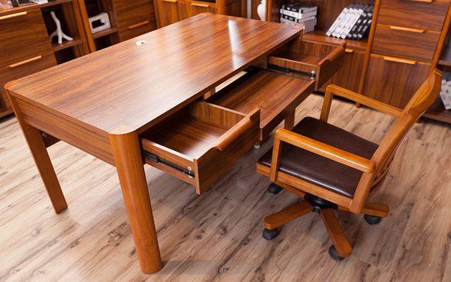 Как выбрать мебель из массива и отличить качественную