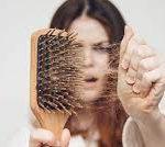 Почему выпадают волосы и что с этим делать