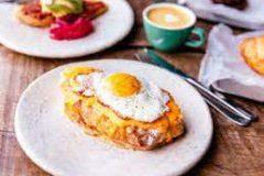 Тосты на завтрак: 7 восхитительных и быстрых рецептов для всей семьи